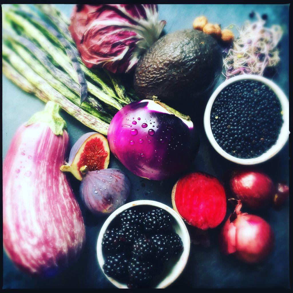 Violetter Herbstsalat mit honigglasiertem Fetakäse http://galupasvoice.com/violetter-herbstsalat/