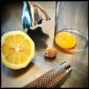 Rezept weisse Spargeln mit einer ganz einfach selbst gemachten Hollandaise http://galupasvoice.com/weisse-spargeln