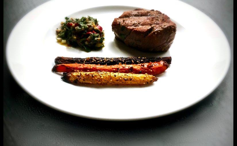 Ofenkarotten und ein perfektes Filetsteak mit Chimichurri